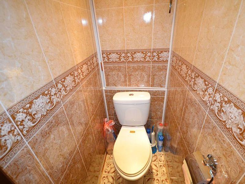 Пластик в туалете дизайн